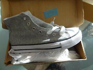 Neu!!!!sportliche Kinder Sneakers / Flach Schnürer Gr. 35/grau