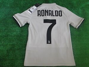 finest selection 86dfa fcfea Details about ** RONALDO **KIDS JUVENTUS AWAY SHIRT BNWT 2018-19 SIZE 7 - 8  YEARS