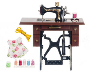 1-12scale-Dolls-house-miniatures-Sewing-Machine-Table-Stand-G7327