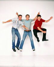 Two Guys and a Girl [Cast] (32719) 8x10 Photo