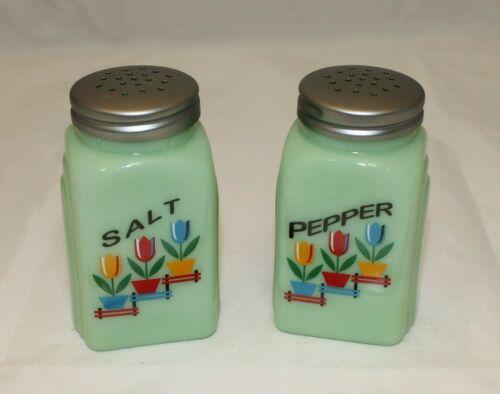 New Jadeite Tulips Glass Salt /& Pepper Shakers Jade Green Art Deco Arch Retro