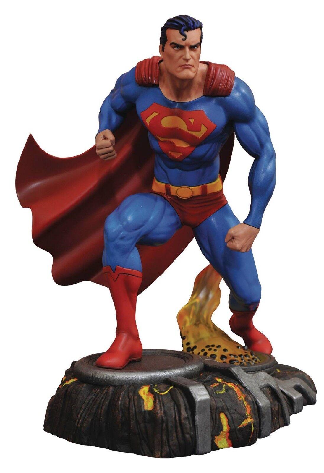 2018 DIAMOND SELECT TOYS DC GALLERY COMICS SUPERMAN 10  PVC STATUE MIB NEW