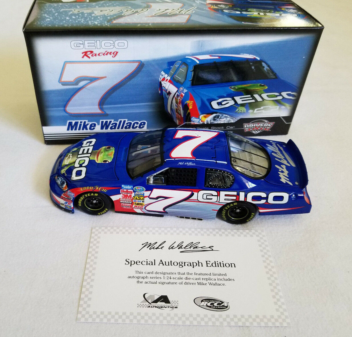NASCAR 1:24 Mike Wallace #7 Geico AUTOGRAPHED 2007 Monte Carlo SS Limited Ed