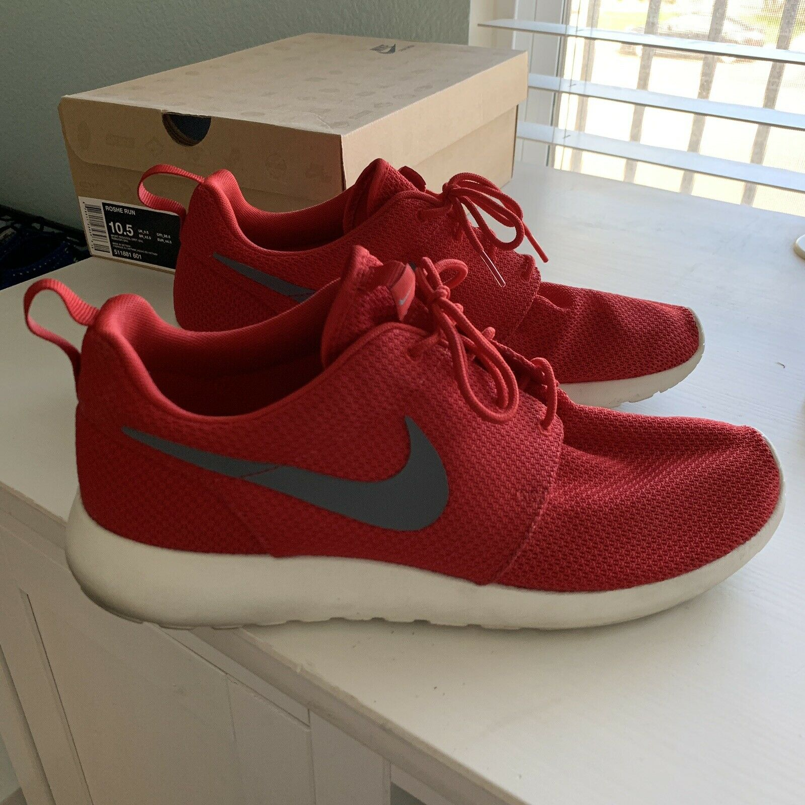 Nike Roshe Run OG Sport Red Sz. 10.5 511881 601