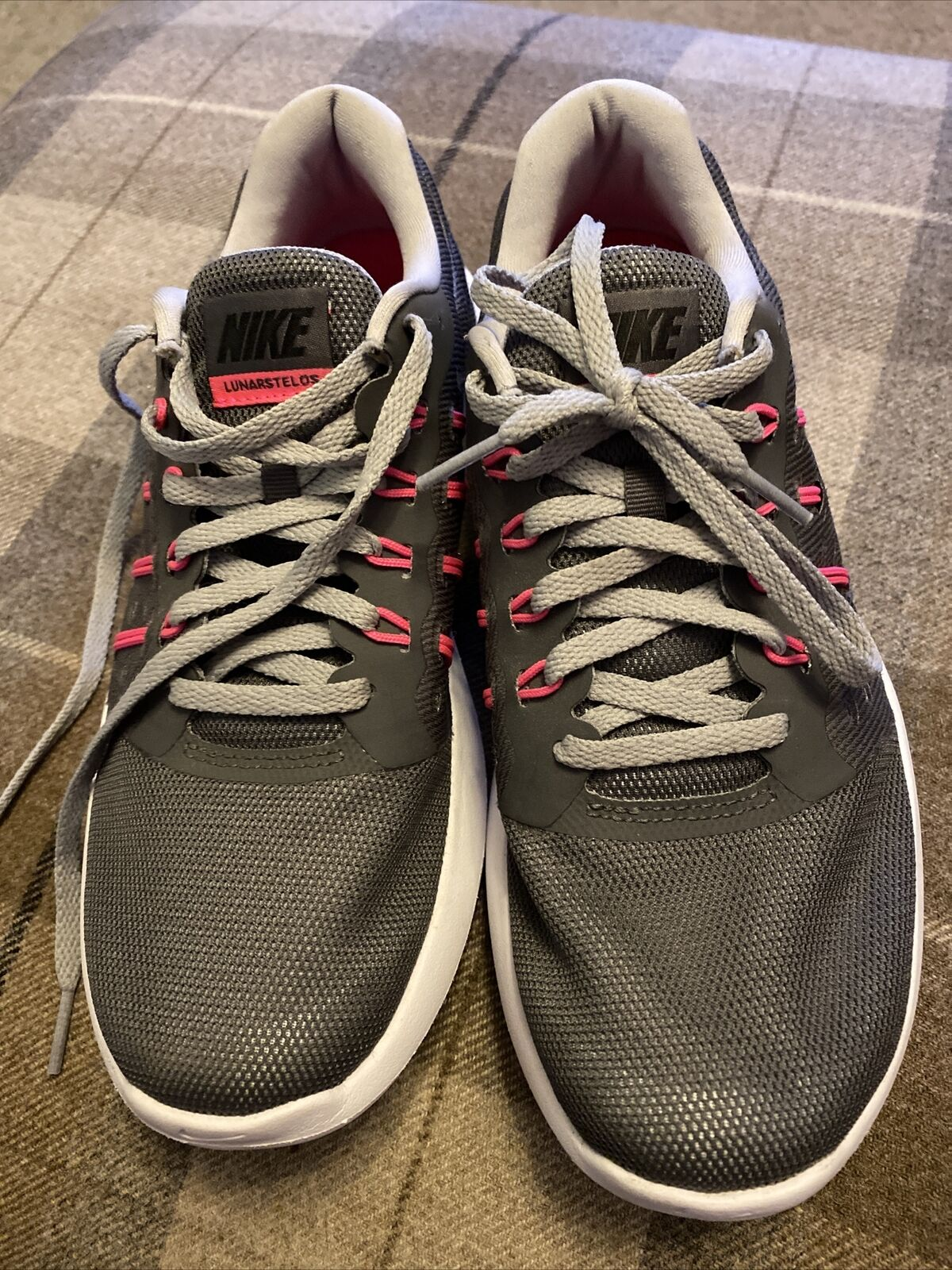 (231) Nike lunarstelos Baskets Taille 5 in (environ 12.70 cm) très bon état