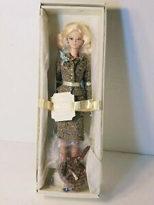 2006-034-Tweed-Indeed-034-SILKSTONE-MODEL-BARBIE-DOLL-NRFB-Gold-Label-J0958