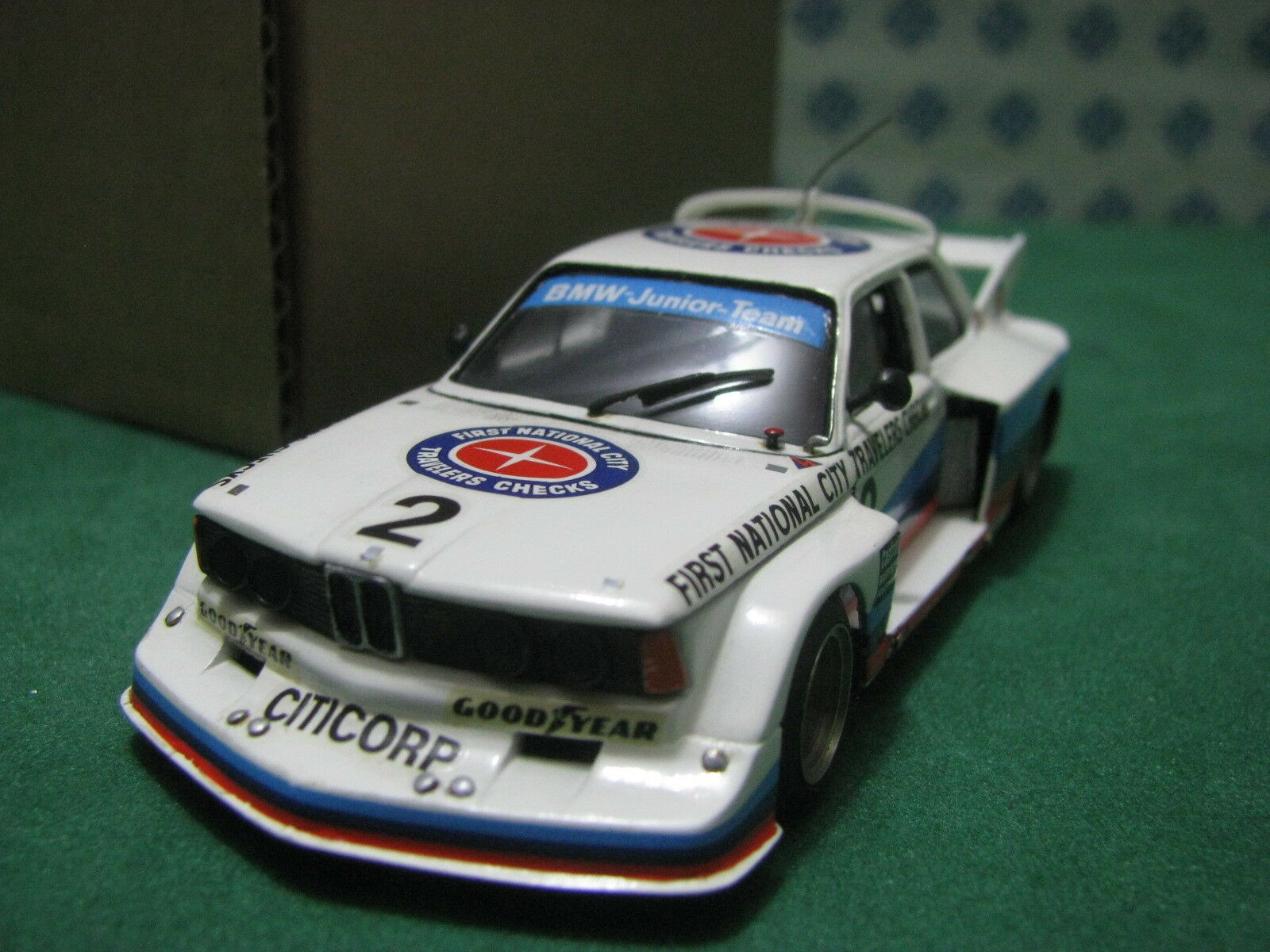 Vintage -  BMW  320  FNC   -  1 43  Minichamps France  Kit  Montato