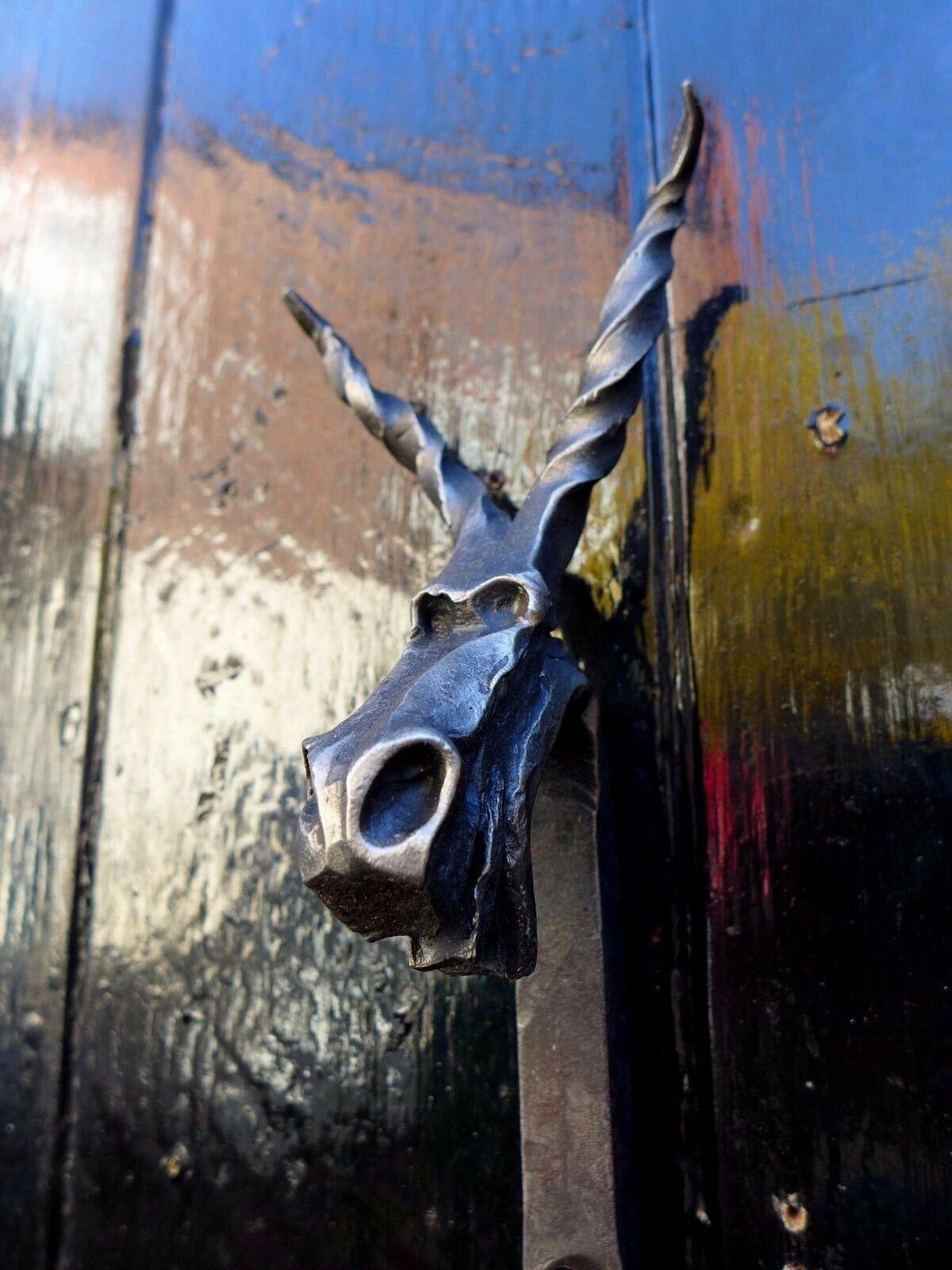 Gancio a muro in acciaio ferro fatti da fabbro fatto a mano molto unico Design Drago BA