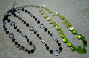 BLACK & GREEN LUCITE & SHELL BEADED LONG SILVER TONE CHAIN NECKLACE LOT