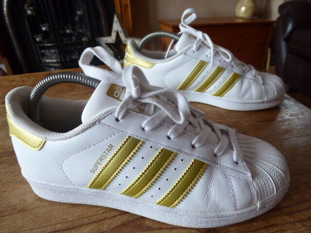 Womens ADIDAS superstar - size uk 5 ( 2016 ) great condition