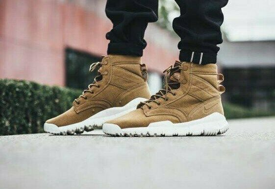 """Nike SFB 6"""" Canvas NSW Special Forces Boot  US 8   844577-200"""