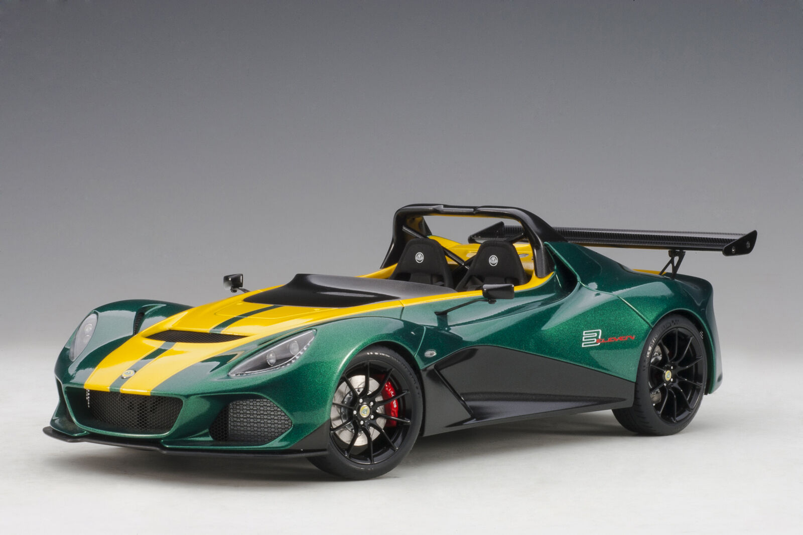 Lotus 3-Eleven Road 2017 vert With jaune Accents AUTOART 1 18 AA75392