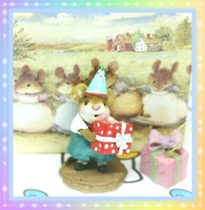 Wee-Forest-Folk-M-223-Party-Boy-1997-RETIRED-Teal-Red-Gift-Birthday-Mouse