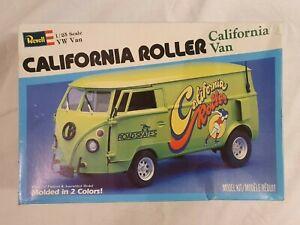 REVELL VW VAN CALIFORNIA ROLLER 1/25 MODEL KIT