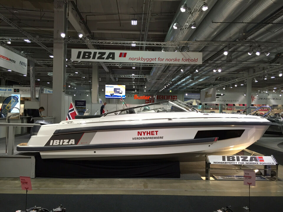 Superb Norsk Ibiza 811T med 300HK