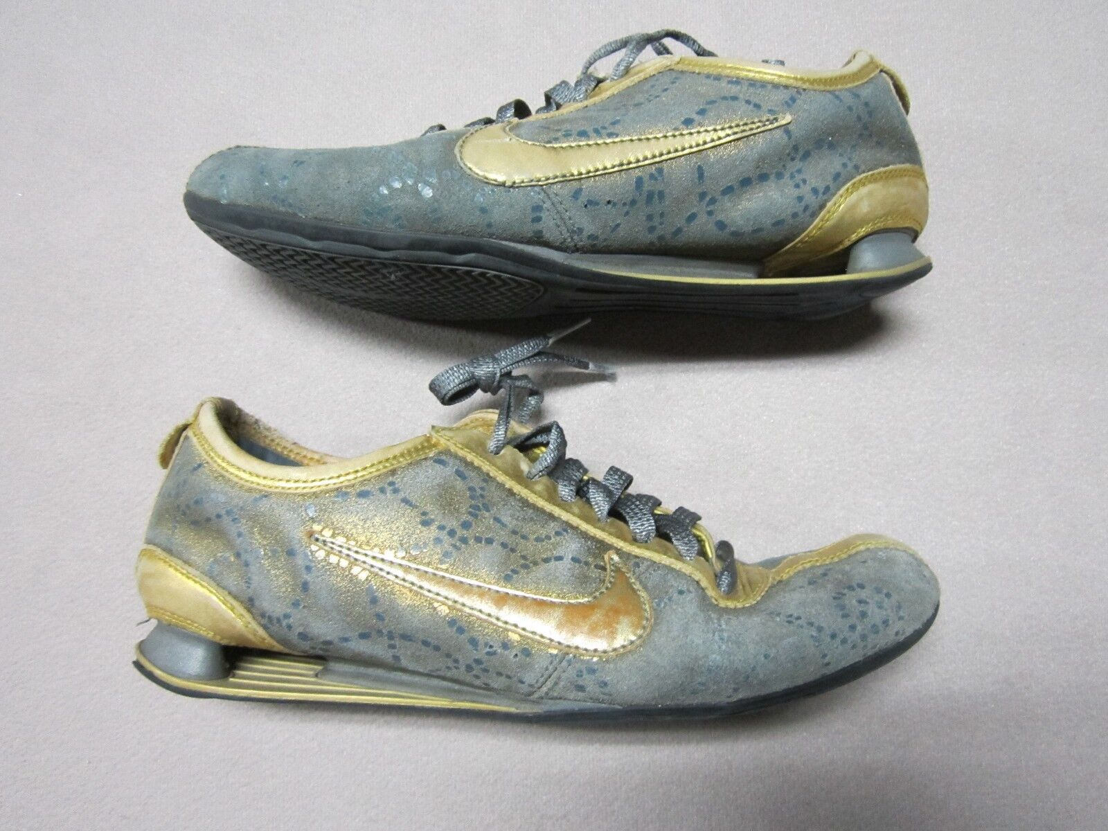 NIKE SHOX RIVALRY 7 PREMIUM Damenschuhe GOLD TRAINING Schuhe SIZE 7 RIVALRY #316327-071 RARE dbdae1