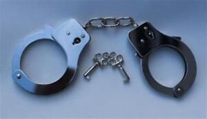Polizei-Handschellen-mit-2-Schluesseln-Handfesseln-verstellbare-Groesse-chrom-NEU