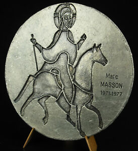 medal-view-the-city-Auxerre-by-M-Poulet-Marc-Masson-c-1970-82-mm-medal