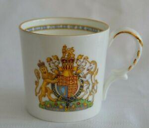 Aynsley-1977-Jubilee-Queen-Elizabeth-II-BONE-CHINA-MUG-Kings-amp-Queens-on-back