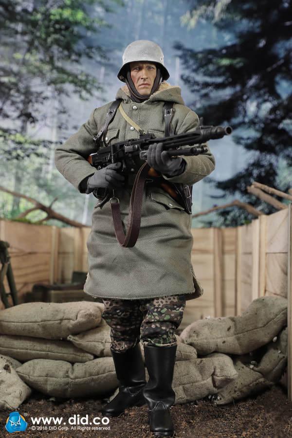 DRAGON DREAMS DID 1 6 SCALE WW II II II GERMAN DUSTIN MG42 GUNNER D80130 b6bbd3