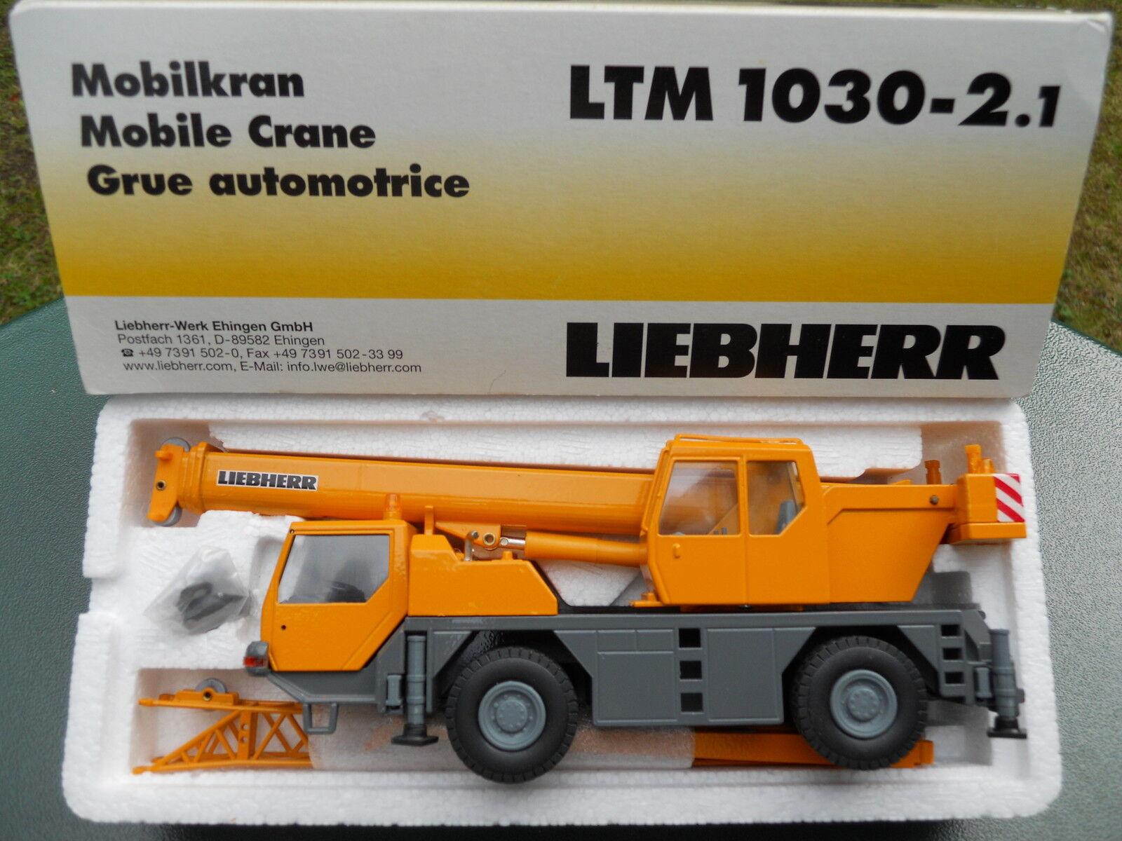 CONRAD  2088  LIEBHERR LTM 1030 2 MINT IN BOX