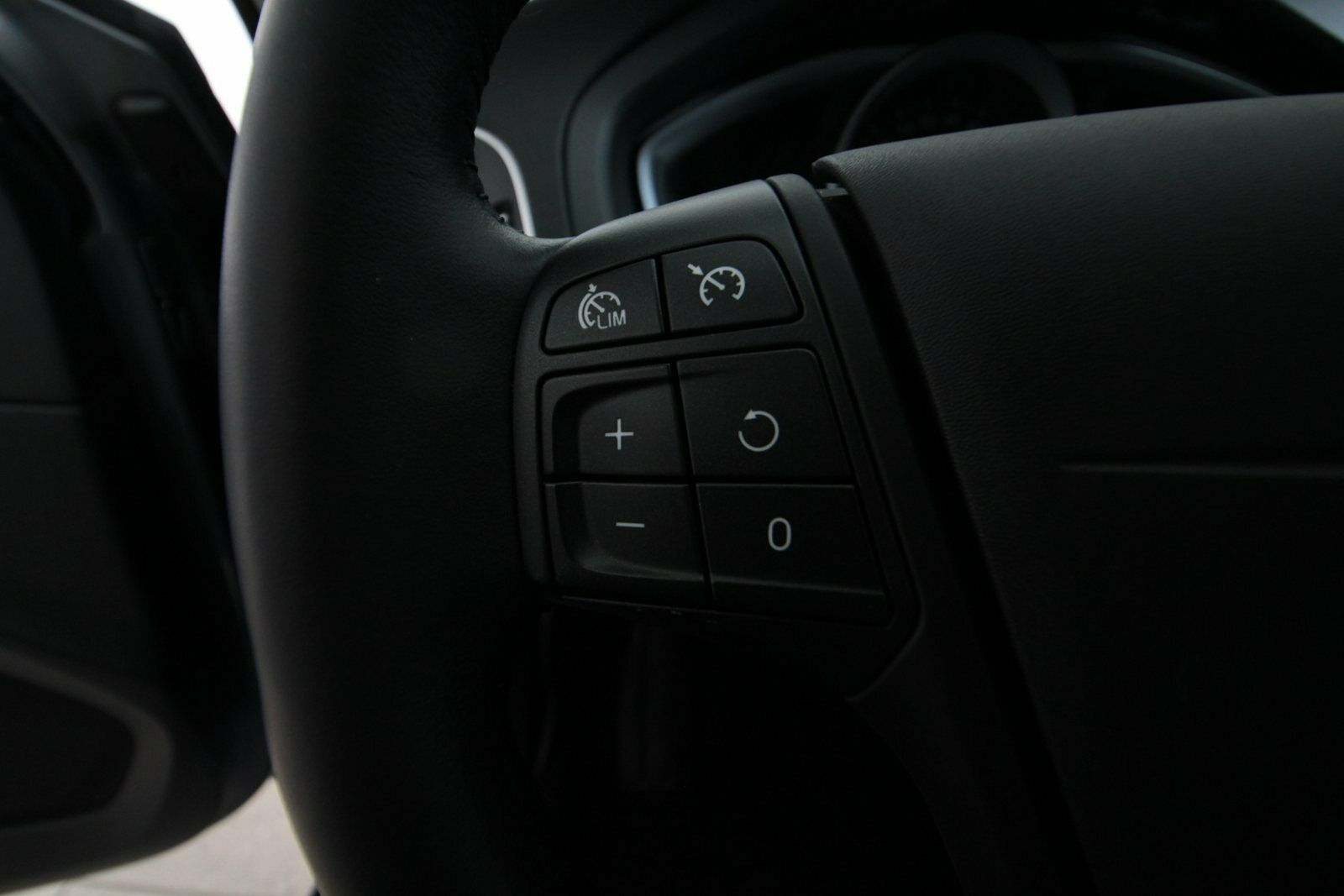 Volvo V40 CC D2 120 Kinetic aut.