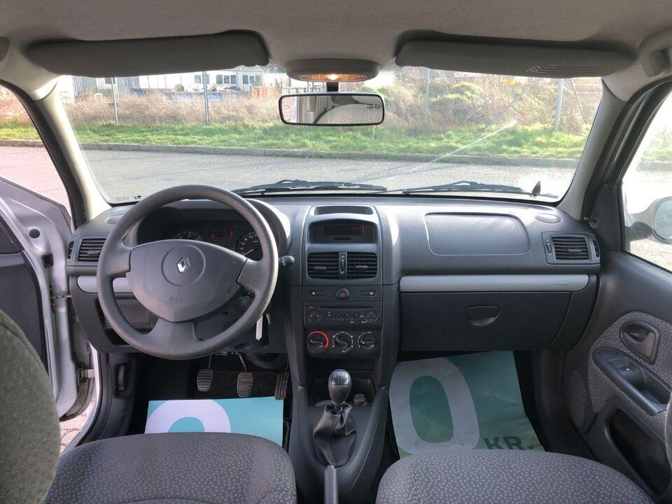 Renault Clio II 1,2 8V Authenique Benzin modelår 2006 km