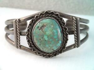 VINTAGE-Native-American-NAVAJO-STERLING-SILVER-TURQUOISE-CUFF-BRACELET