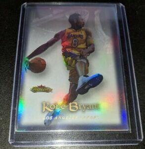 Kobe-Bryant-2001-Fleer-Showcase-Holo-Refractor-85-Los-Angeles-Lakers-MINT