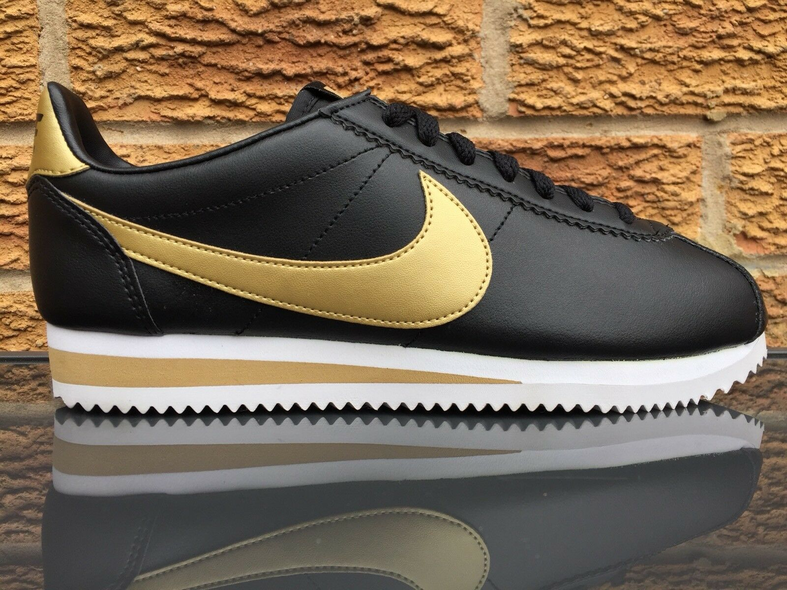 Nike Classic Cortez Leather  noir Gold 4.5 7  EUR 38  US 7 4.5  807471-008 d33119