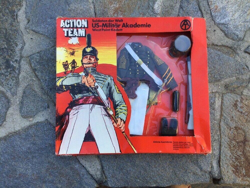 """GI  Joe Action Team  WEST POINT KADETT"""" Uniform 1970 HASBRO nouveau with Box  garantie de crédit"""