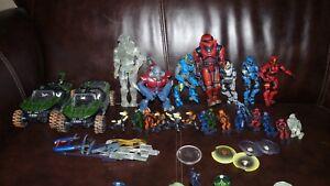 Lot de 24 figurines Halo