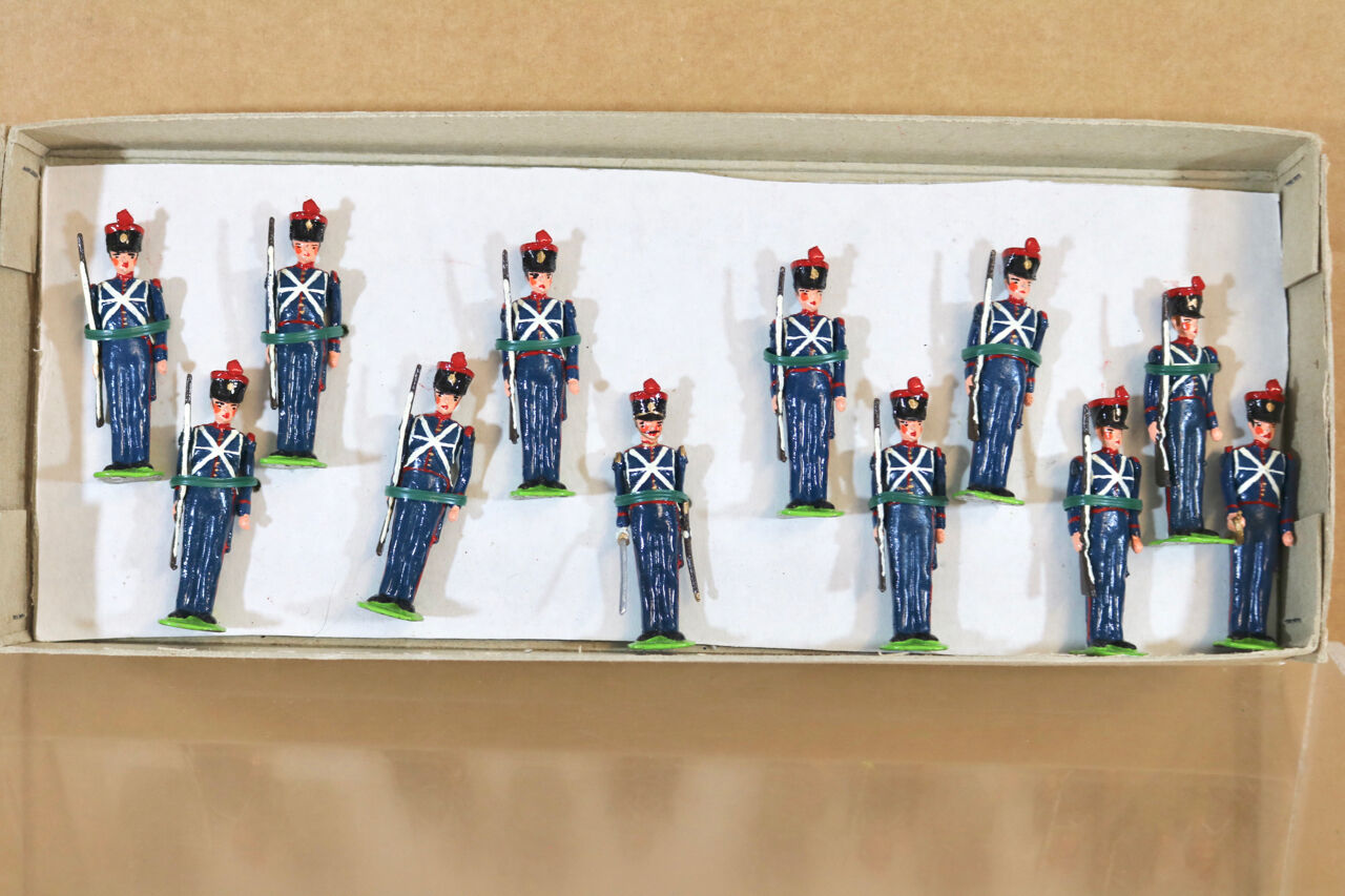 LITTLE WARS 8 FRENCH LINE INFANTRY REGIMENT 1820 at ATTENTION MINT BOXED nj