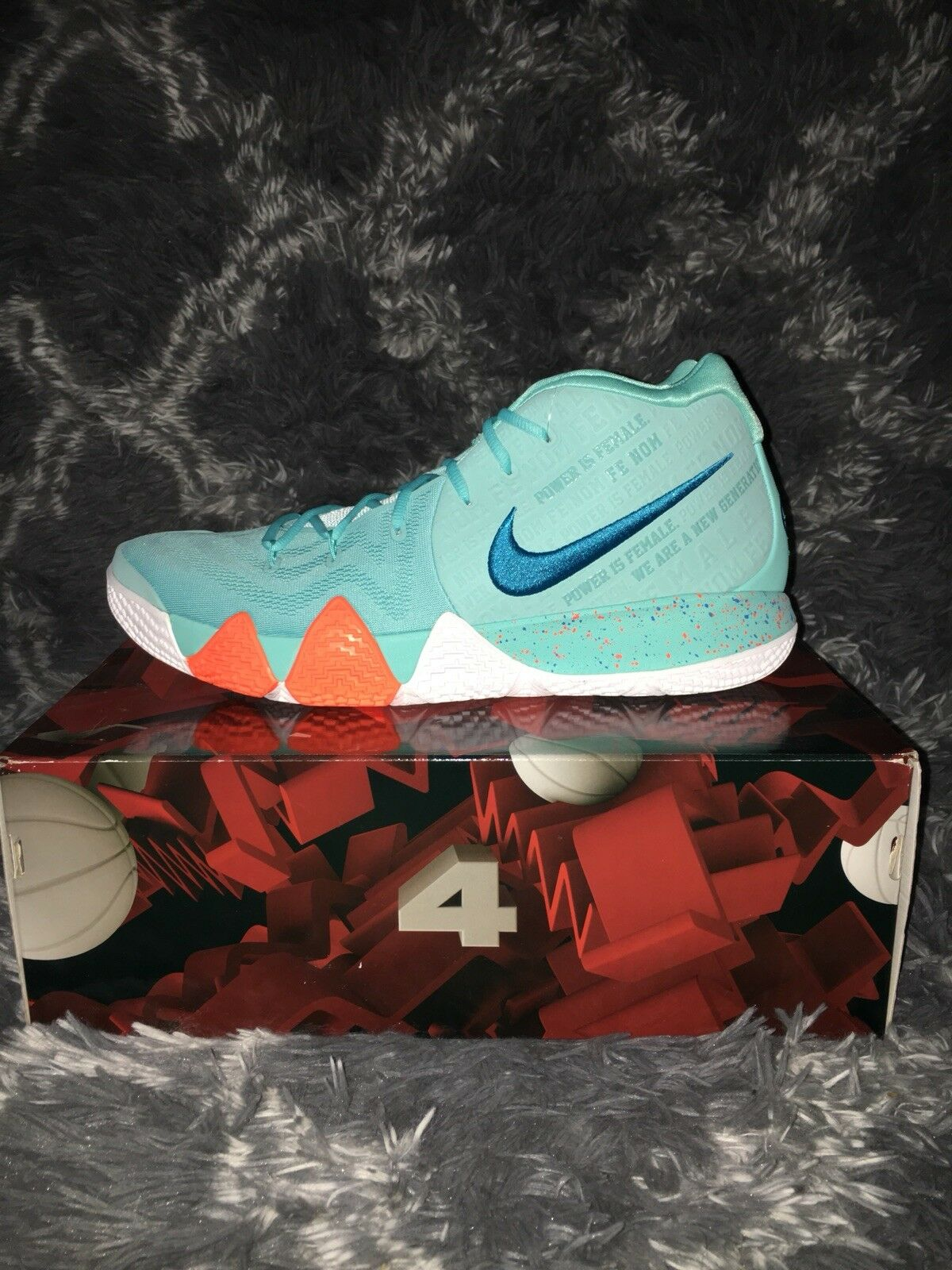 Men's Nike Kyrie 4 Basketball shoes - Size 18