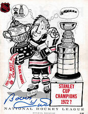 Bobby Hull SIGNED NHL Official Magazine 1971-72 Yearbook- Chicago Blackhawks