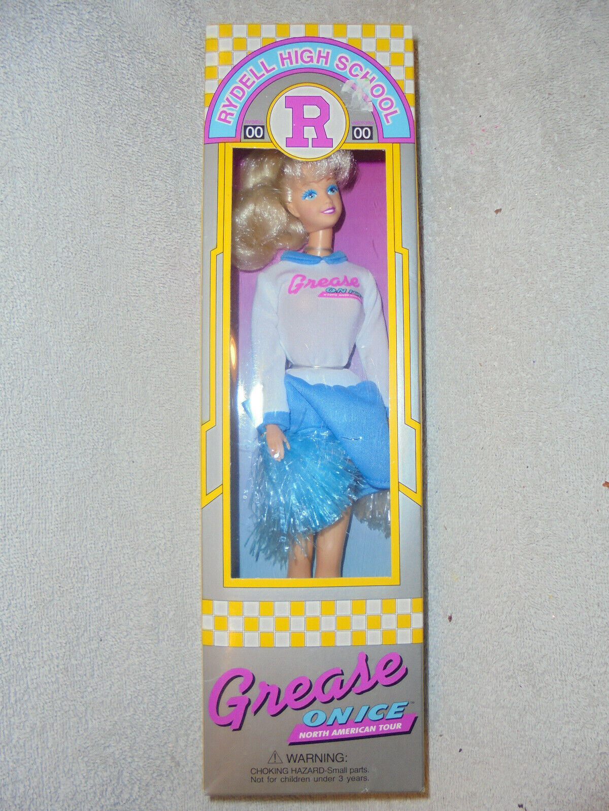 4b969ce8e323 New Grease on ice ( North Tour ) Rydell Dolls American entertainment ...