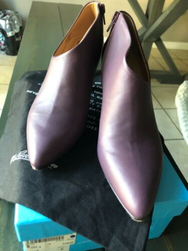 Woman's John Fluevog Eddie sshoes size 8