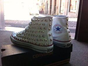 Converse con all star Bianche personalizzate con Converse borchie Argento effetto sporco stud 4f5404