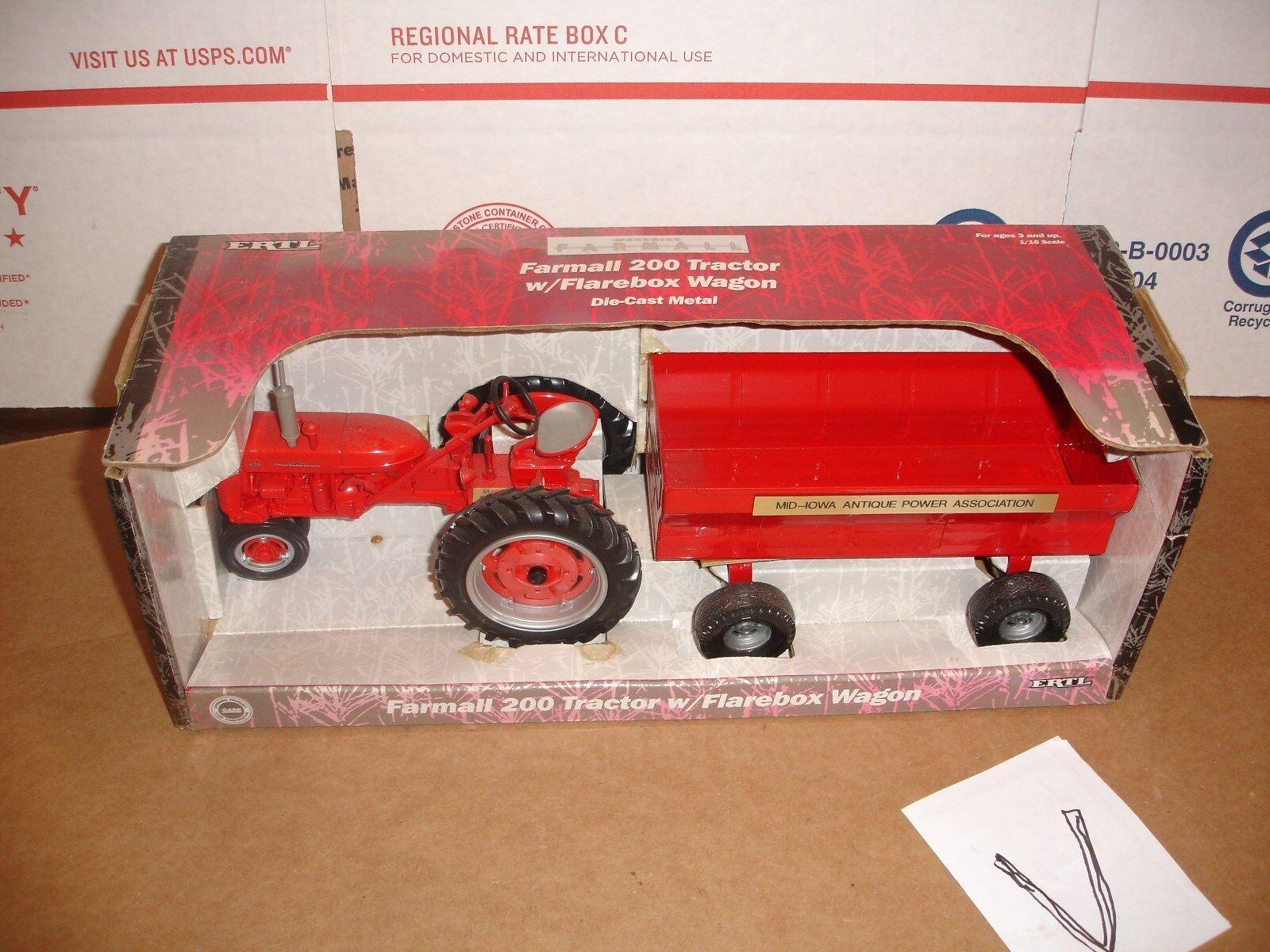 1 16 Farmall 200 avec wagon m.a.p.a. Show Award