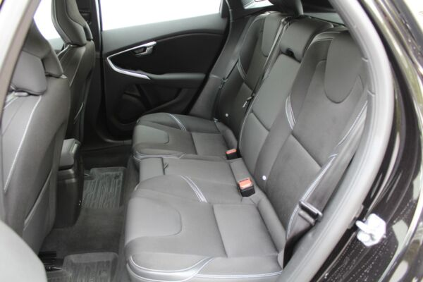 Volvo V40 2,0 D2 120 Momentum aut. - billede 5