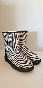 f3fe1a9cbbd Details about UGG WOMEN'S CLASSIC SHORT EXOTIC ZEBRA BLACK WHITE CALF HAIR  FUR BOOTS SIZE US 7
