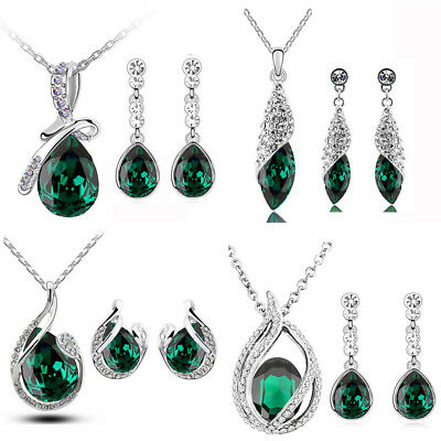 CHRISTMAS GREEN and WHITE Long Necklace Jewelry Set