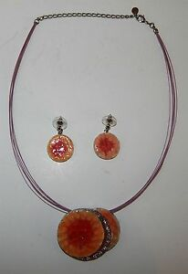 CONTEMPORY-MATCHING-PENDANT-amp-EARRINGS-WITH-SEMI-RIGID-NECKLACE