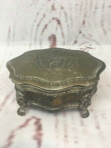 Vintage-Lion-Crest-Silver-Plated-Trinket-Jewelry-Box-Head-Feet-Velvet-Lined