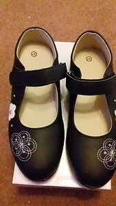 ladies wider fitting curvy EEE leather flat black or maroon shoes size 11-6 NEW
