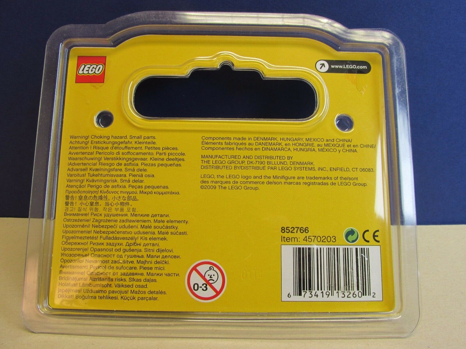 Lego minifigure NEWCASTLE STORE 1st BIRTHDAY BIRTHDAY BIRTHDAY SET rarer than mr gold  391 500 6991c3