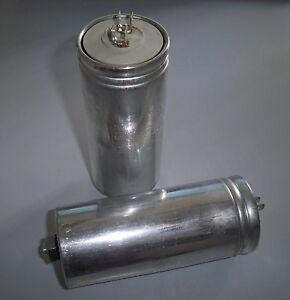 0,83 kvar @ 400V Condensatore monofase ICAR 16,7uF CRM2511083400