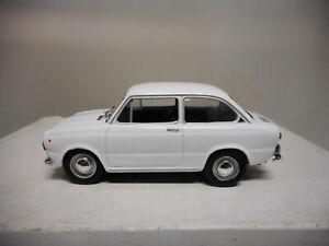 SEAT-850-POLONIA-CARS-DeAGOSTINI-IXO-1-43