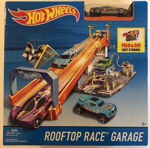 Hot Wheels Rooftop Race Garage Exclusive Playset: BRAND NEW!