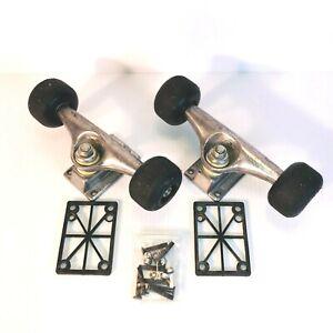 VTG-Mongoose-Skateboard-Metal-Trucks-Risers-w-Screws-Lot-of-5-Great-Condition